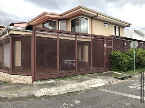 casa en venta en tres rios dentro de residencial cerrado