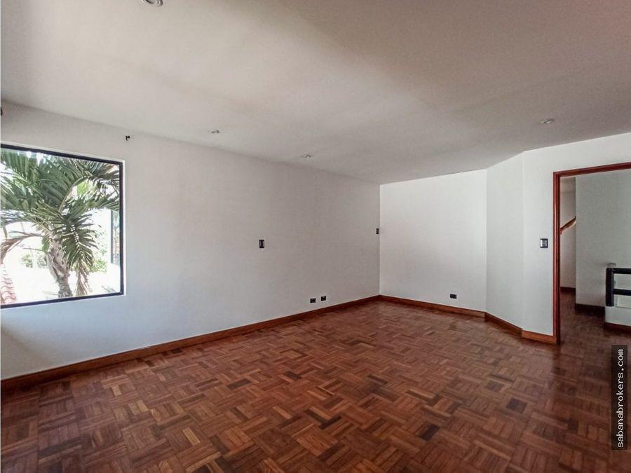 amplia casa en condominio sabana norte