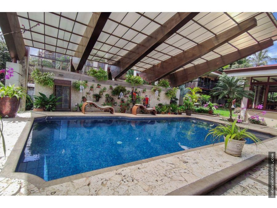 casa independiente con piscina en escazu