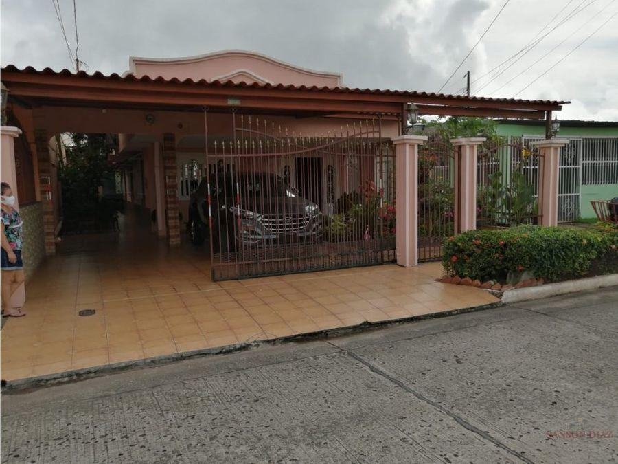 se vende casa en bello horizonte entrando por plaza tocumen 120000