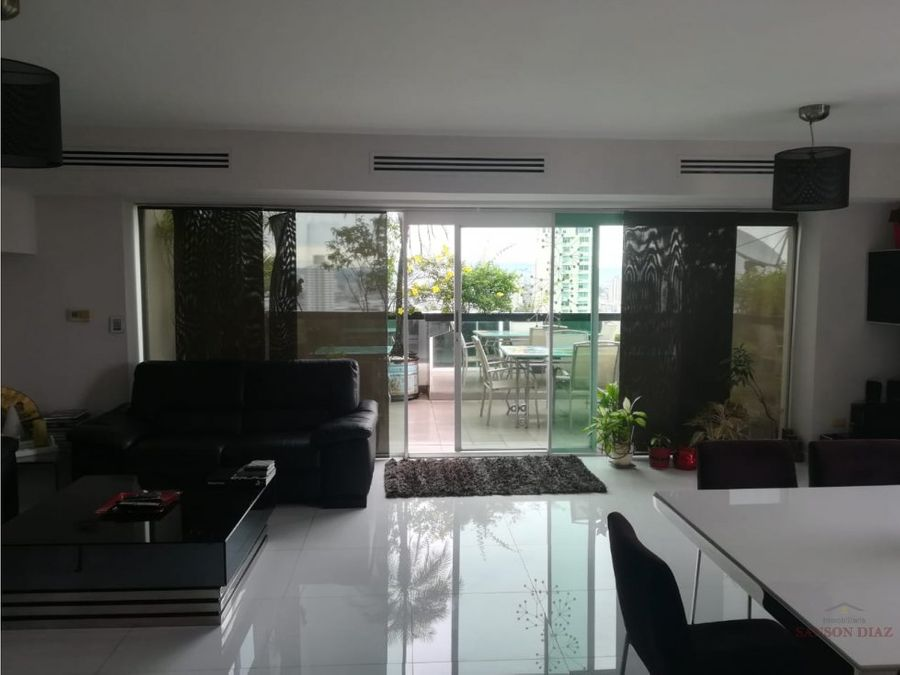 se vende penthouse en onix tower el cangrejo
