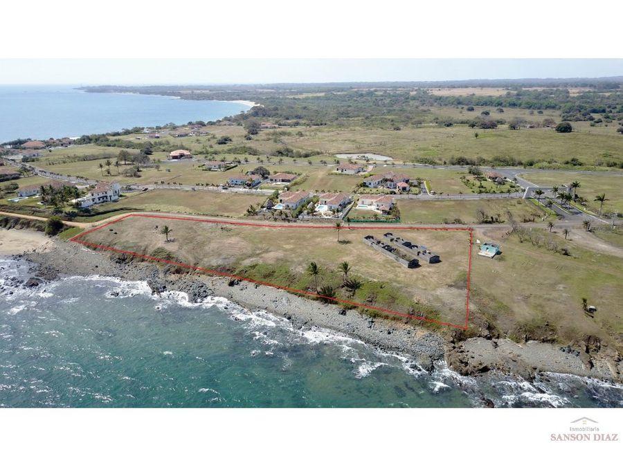 se vende terreno en pedasi frente al mar