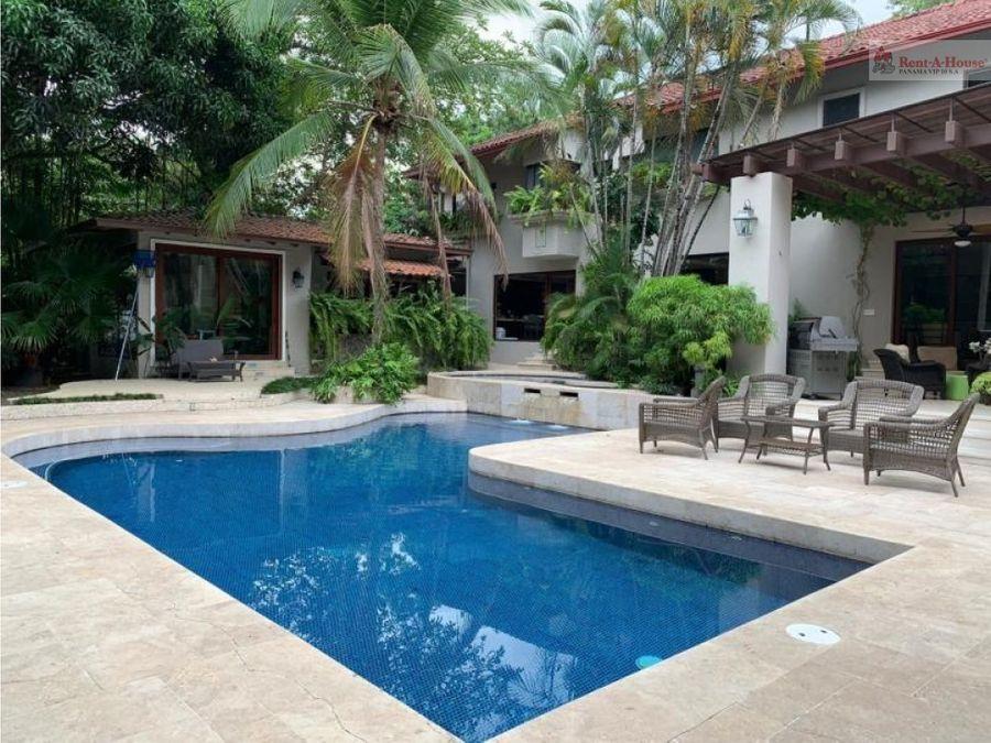 casa en altos del golf panama lujosos acabados piscina