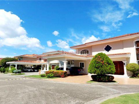casa en venta en costa del este panama 21 3639