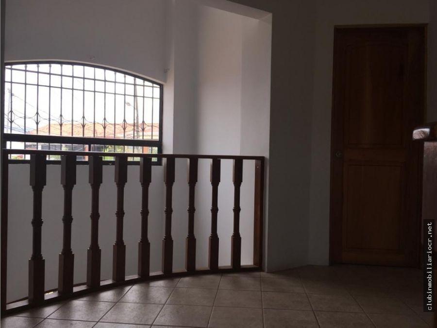 se vende casa preciosa en llorente de tibas
