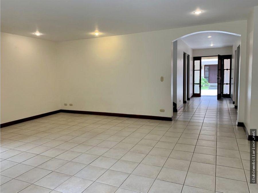 se alquila preciosa casa en condominio solo unos pasos de av escazu