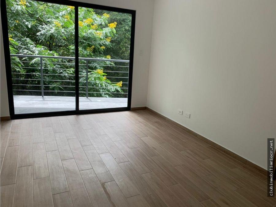 venta de increible apartamento rio oro santa ana