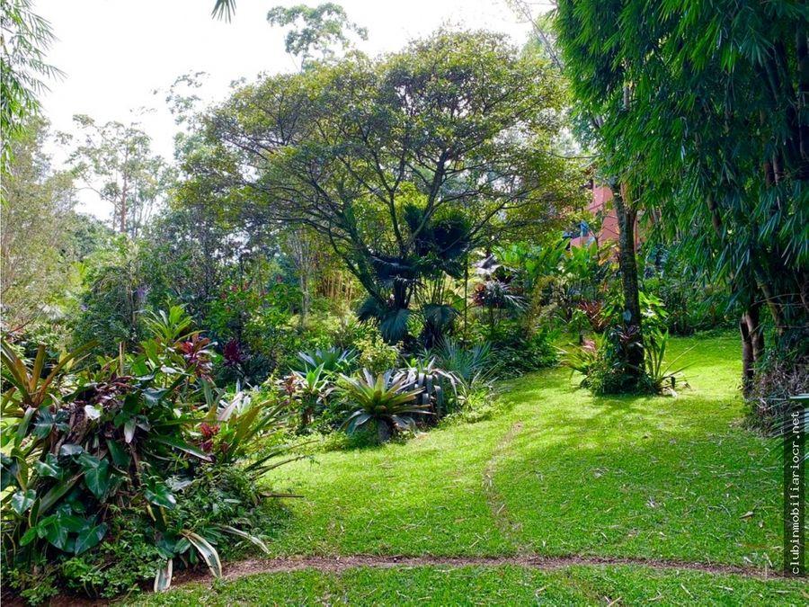 oportunidad viva rodeado de naturaleza dentro de la ciudad