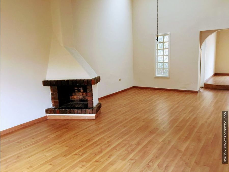 vendo bonita casa familiar cedritos para remodelar