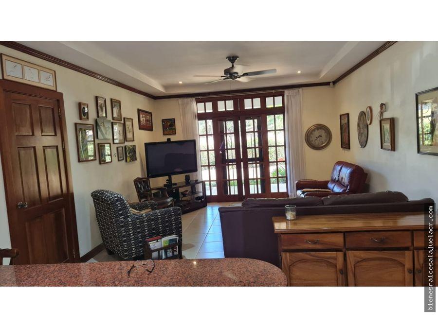 venta de casa en los reyes la guacima alajuela 911 m2 340000