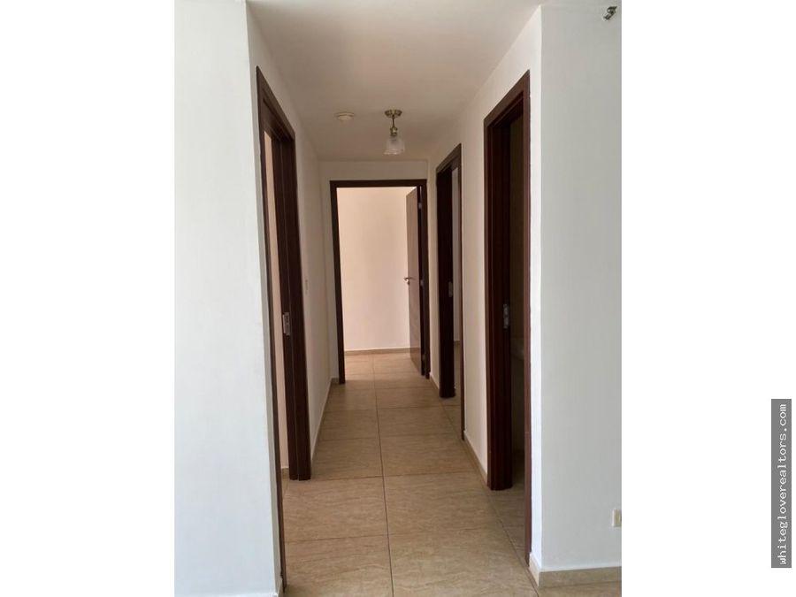 se alquila con opcion a compra super apartamento en condado del rey