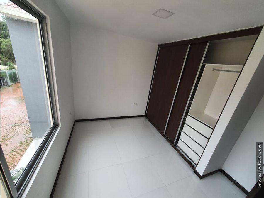 bonita casa en condominio tiquipaya