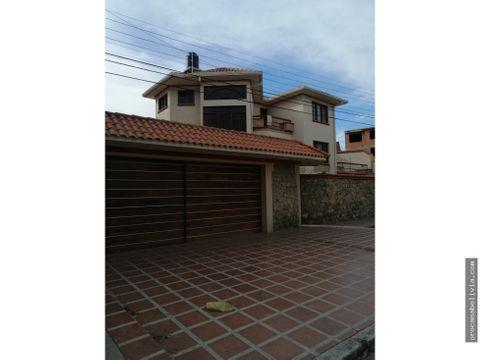 hermosa casa sobre avenida melchor perez