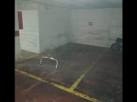 amplio parking zona carlos haya calle soliva