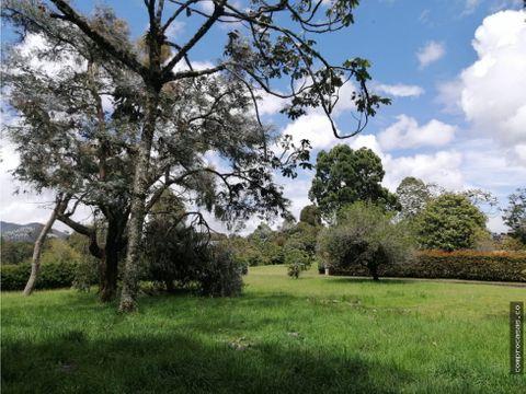 espectacular lote en parcelacion alto de las palmas sector pradolargo