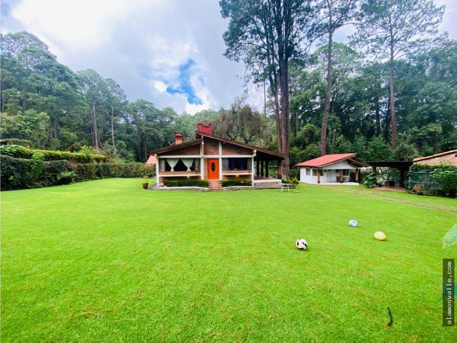 casa en venta en avandaro con gran jardin