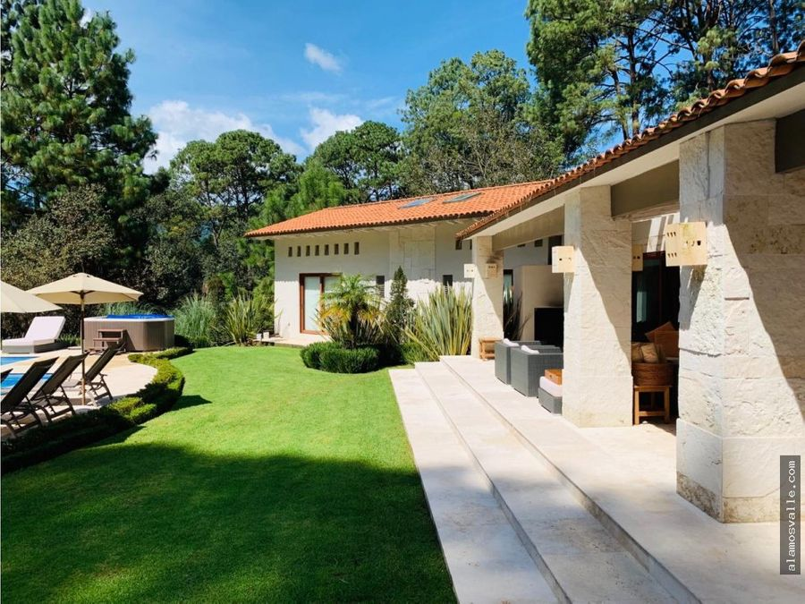 casa en venta avandaro con gran jardin