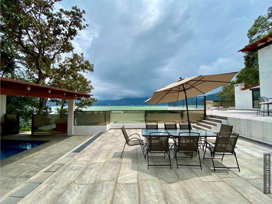 casa en venta con acceso al lago valle de bravo