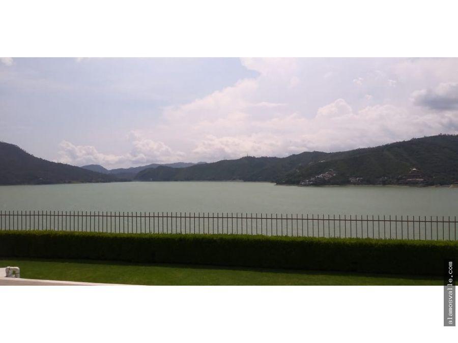 escondrijo 2 vista al lago