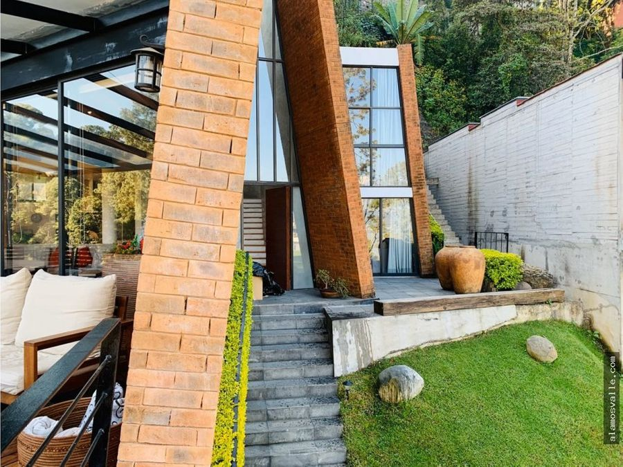 casa en venta con vista parcial al lago