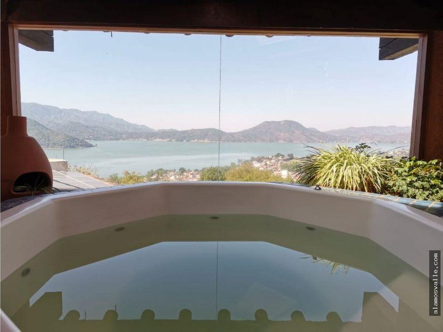 casa vallesana con vista al lago
