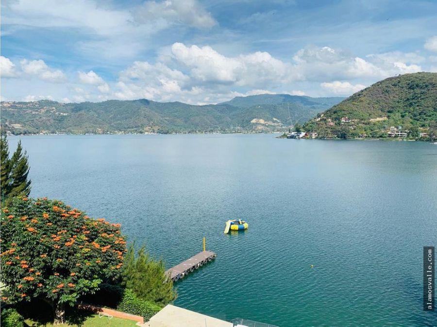 casa la pena con acceso al lago