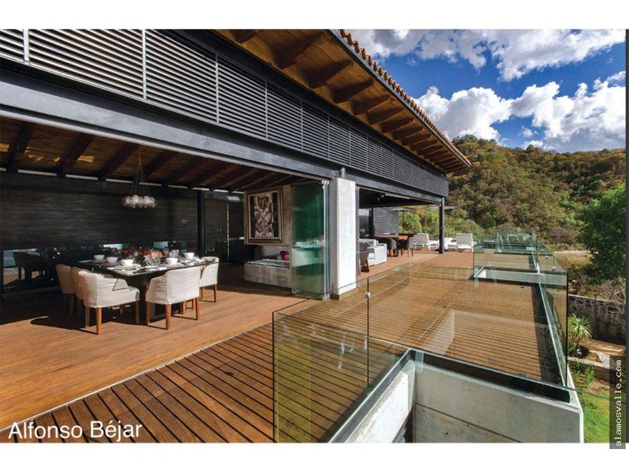 casa venta en valle de bravo vista al lago