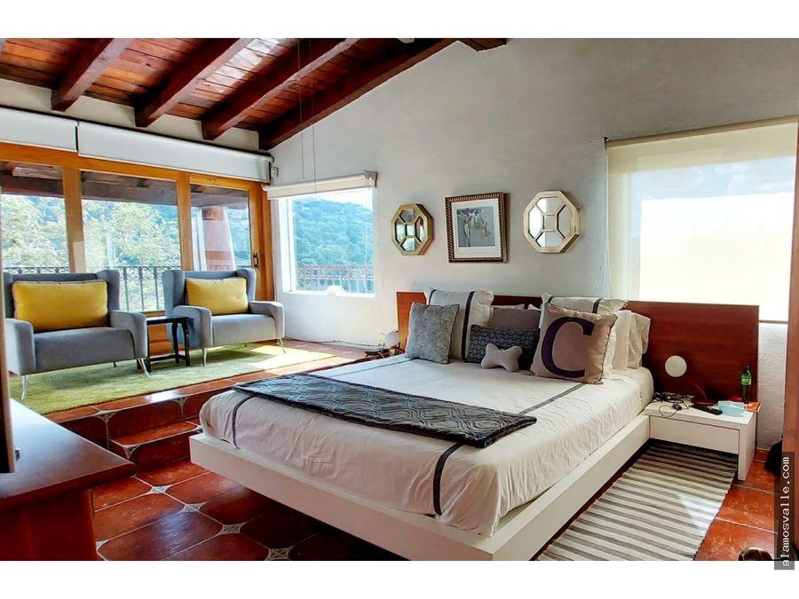 casa en renta de arquitectura mexicana en valle de bravo
