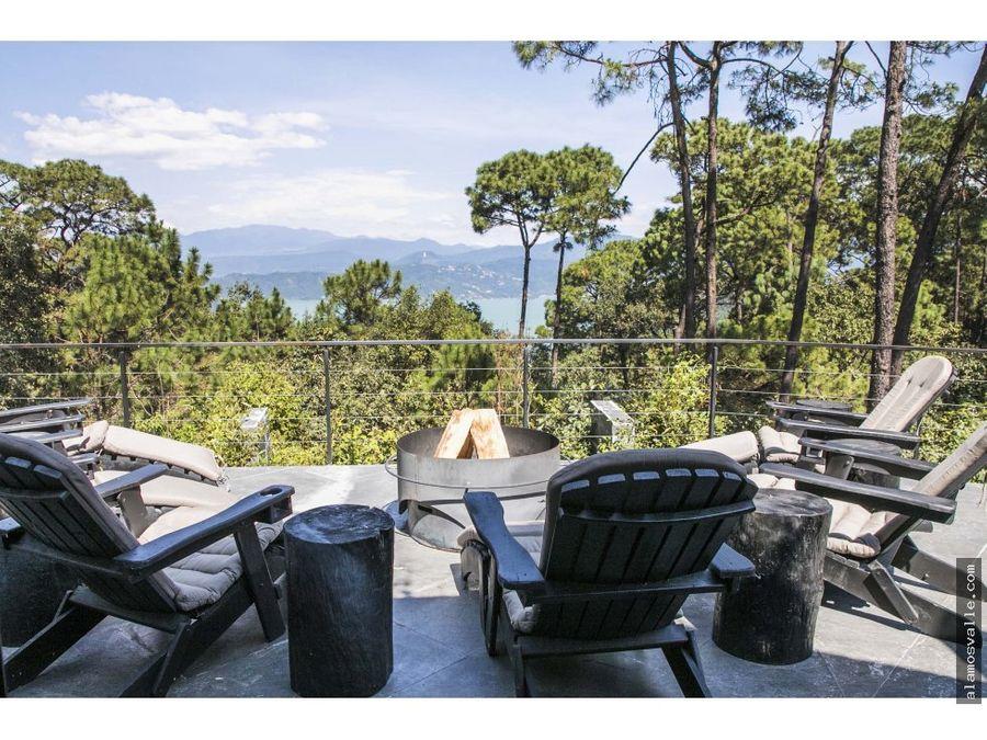 casa en venta con vista y acceso al lago