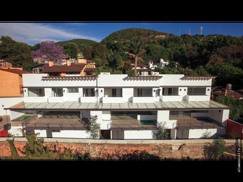 3 casas en condominio renta