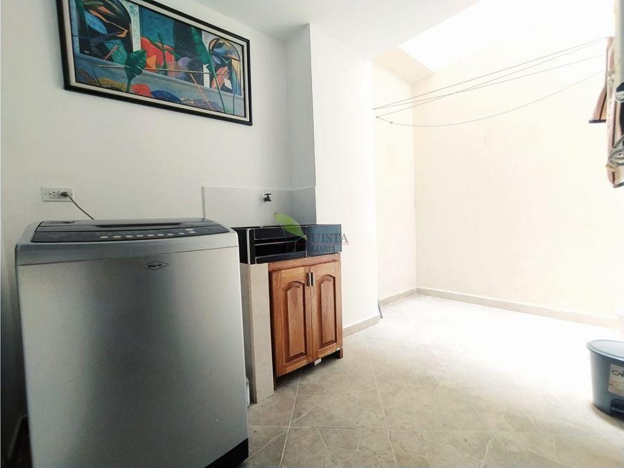 se arrienda apartamento en sector suramericana