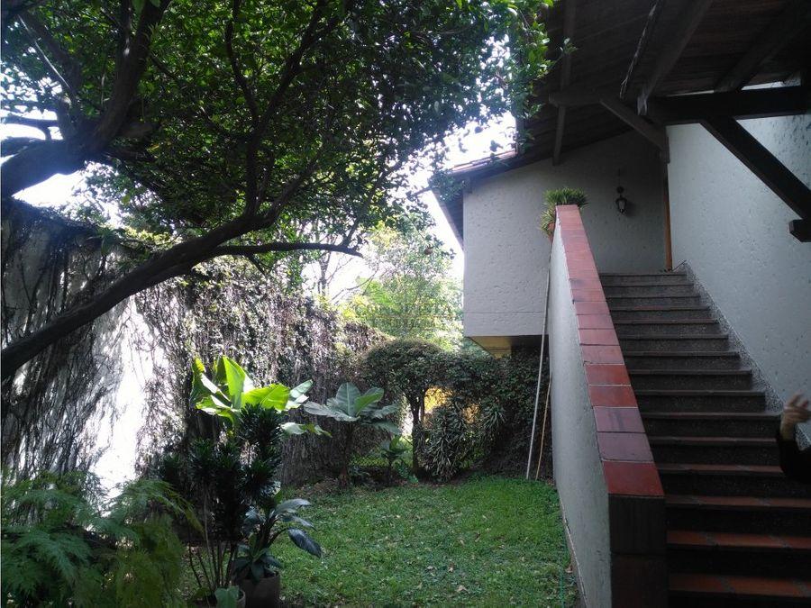 se arrienda casa local en poblado aguacatala