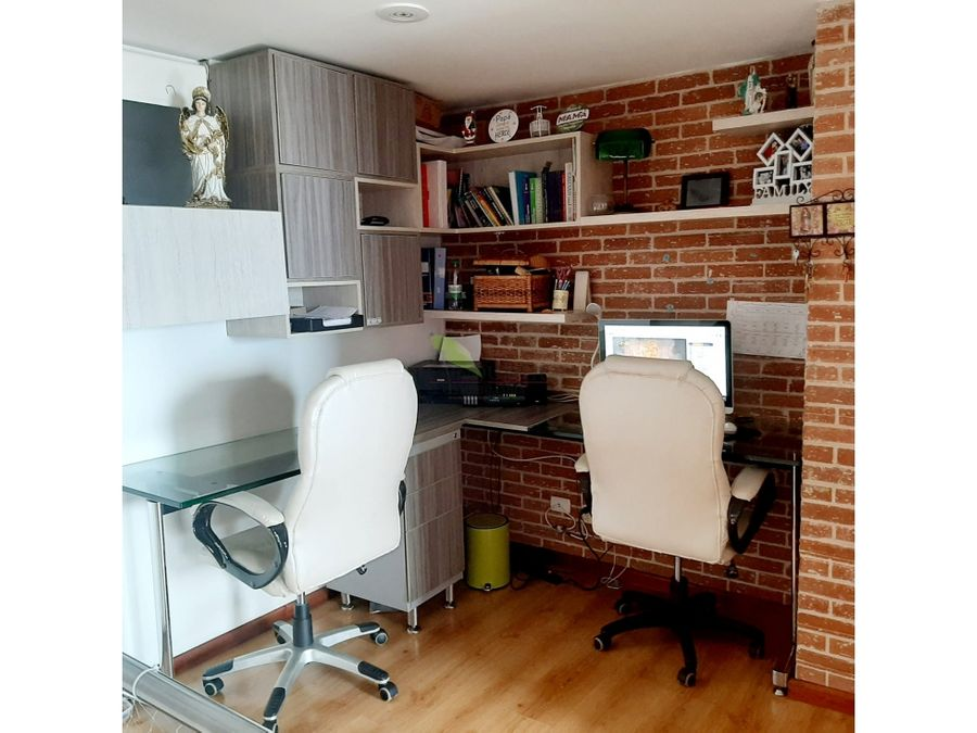 se vende hermoso apartamento duplex en exclusivo sector del poblado