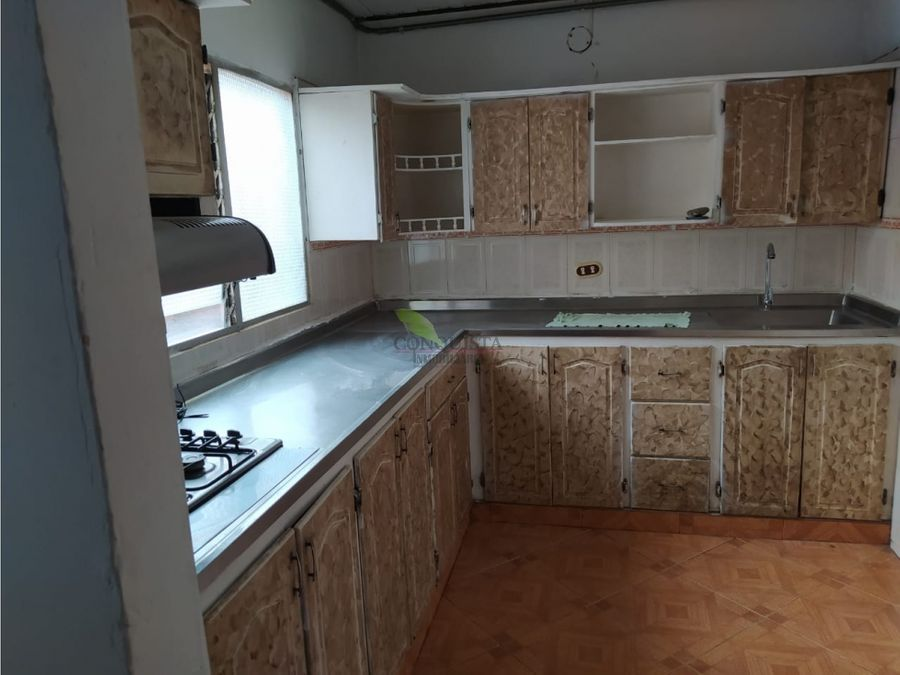 se vende apartamento en floresta alcazares