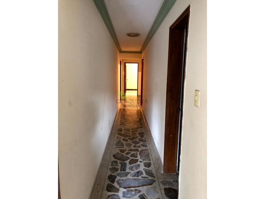 se vende apartamento piso 23 en cristo rey guayabal