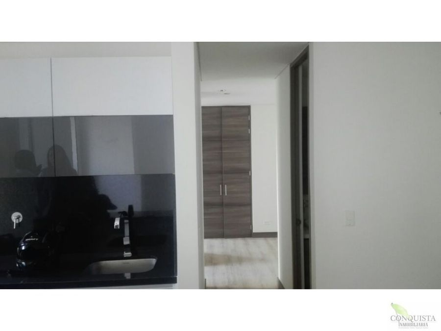 se vende apartamento en el poblado aguacatala