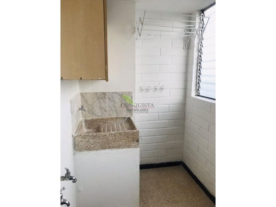 se arrienda apartamento en calasanz