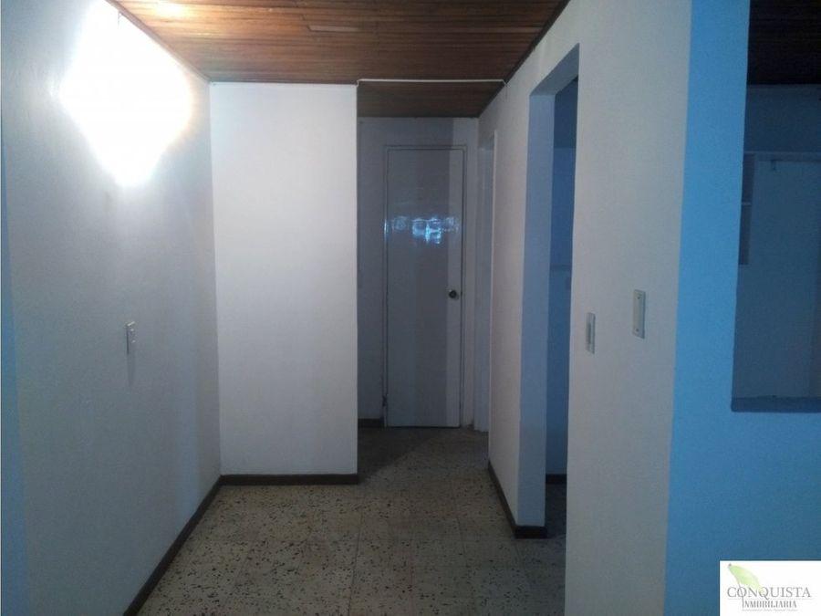 se arrienda apartamento en manrique central