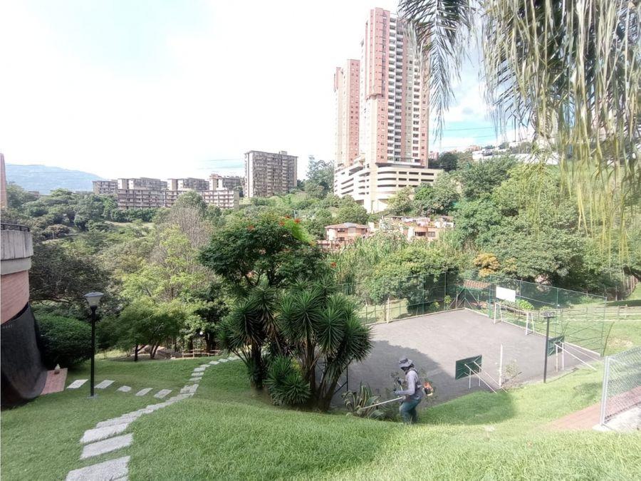 se vende apartamento en el poblado loma san julian
