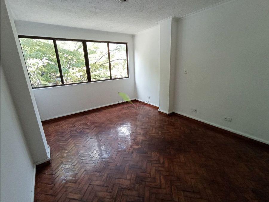 se vende o se arrienda apartamento en laureles nutibara