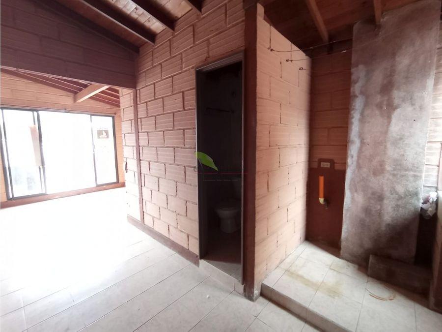 se arrienda apartaestudio en trinidad barrio antioquia