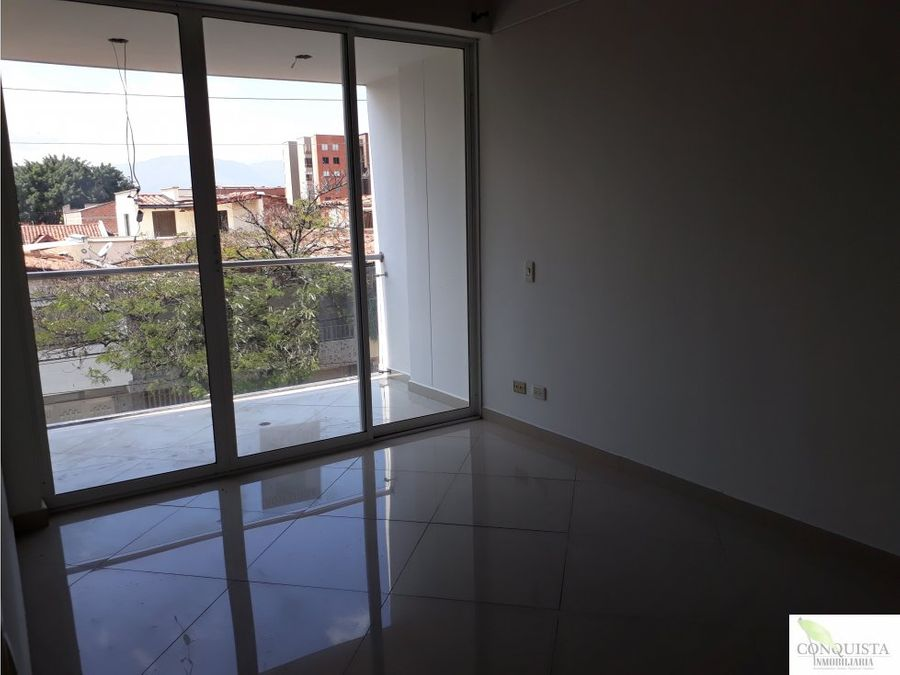 se vende apartamento tercer piso en belen malibu