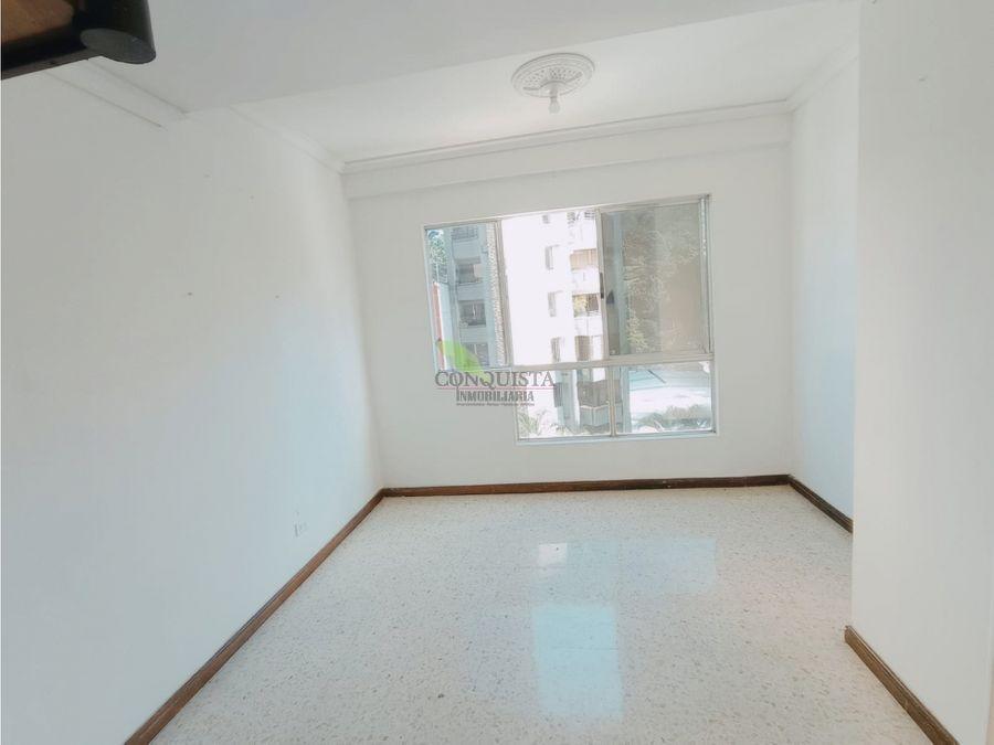 se vende apartamento duplex en conquistadores