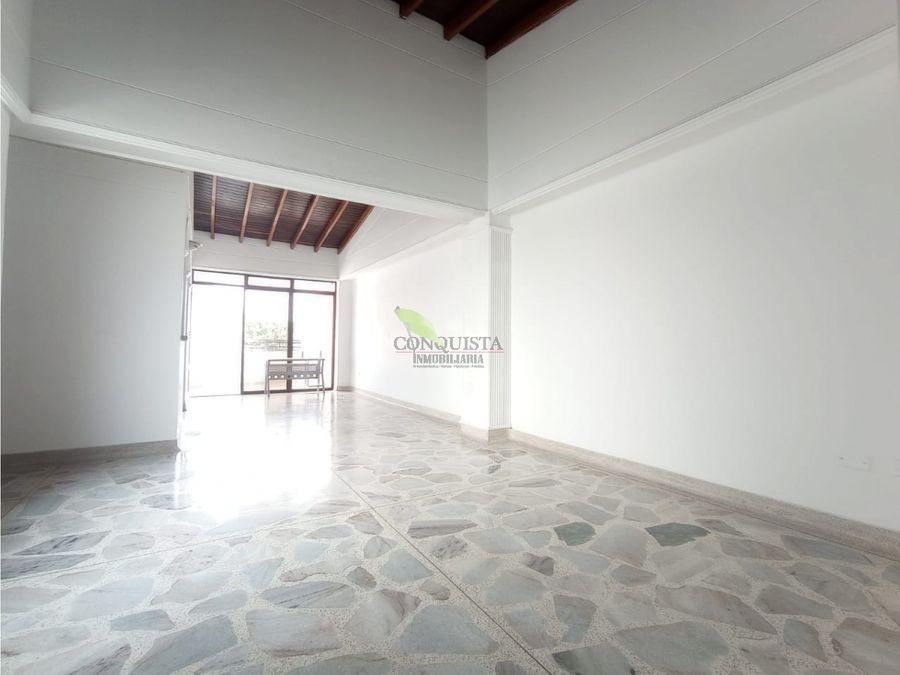 se arrienda apartamento en la bolivariana