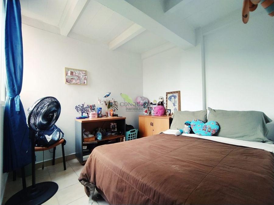 se vende acogedor apartamento en la loma de los bernal