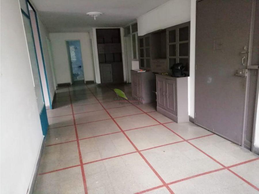 se vende casa en la bolivariana