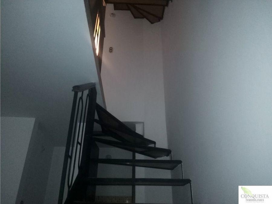 se arrienda casa de 3 niveles en bello niquia