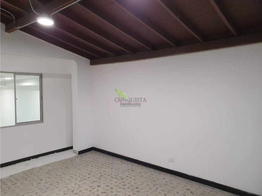 se arrienda casa local en bolivariana