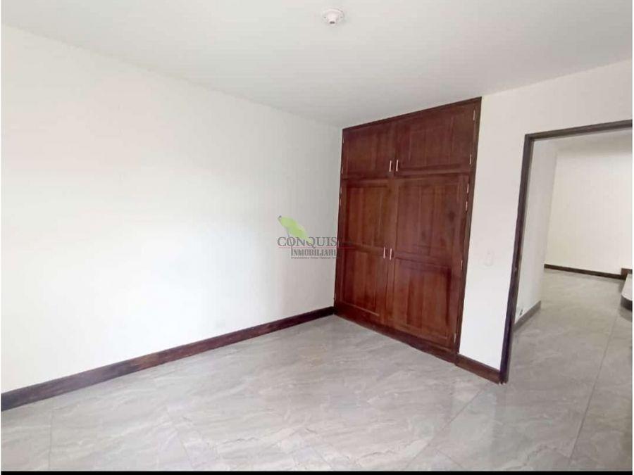 se vende apartamento en exclusivo sector de laureles