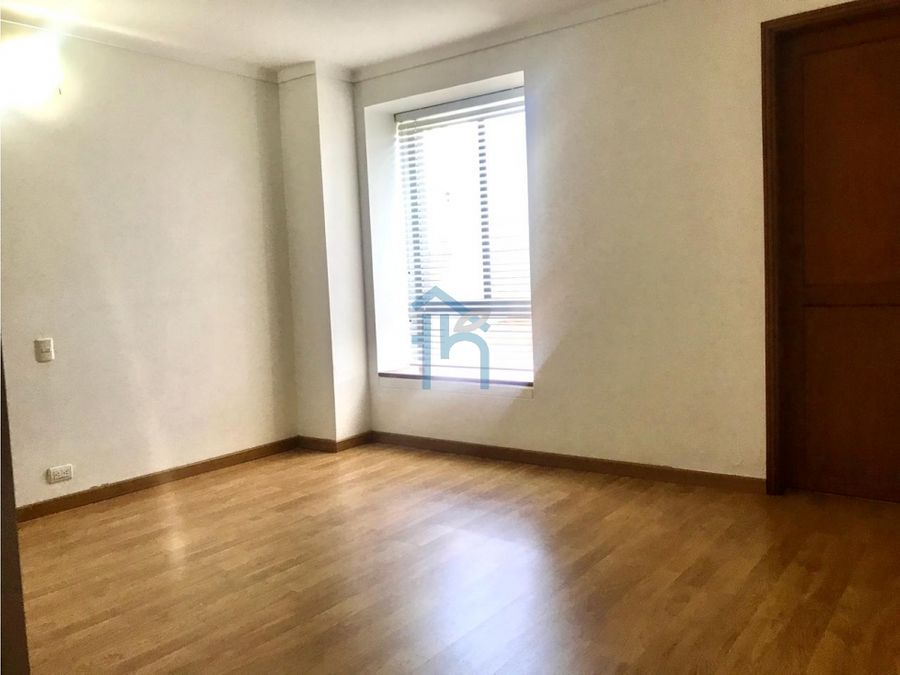 3913298cl venta de apartamento en el poblado medellin